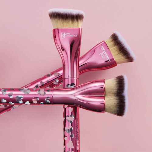 IT Cosmetics Love is the Foundation Brush