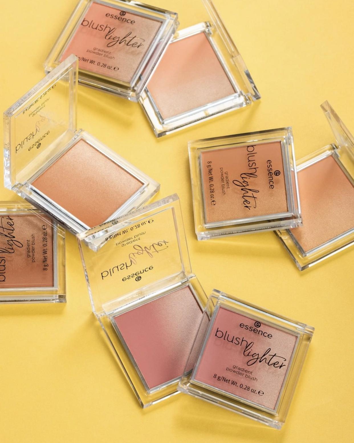 Essence Blush Lighter Gradient Powder Blush