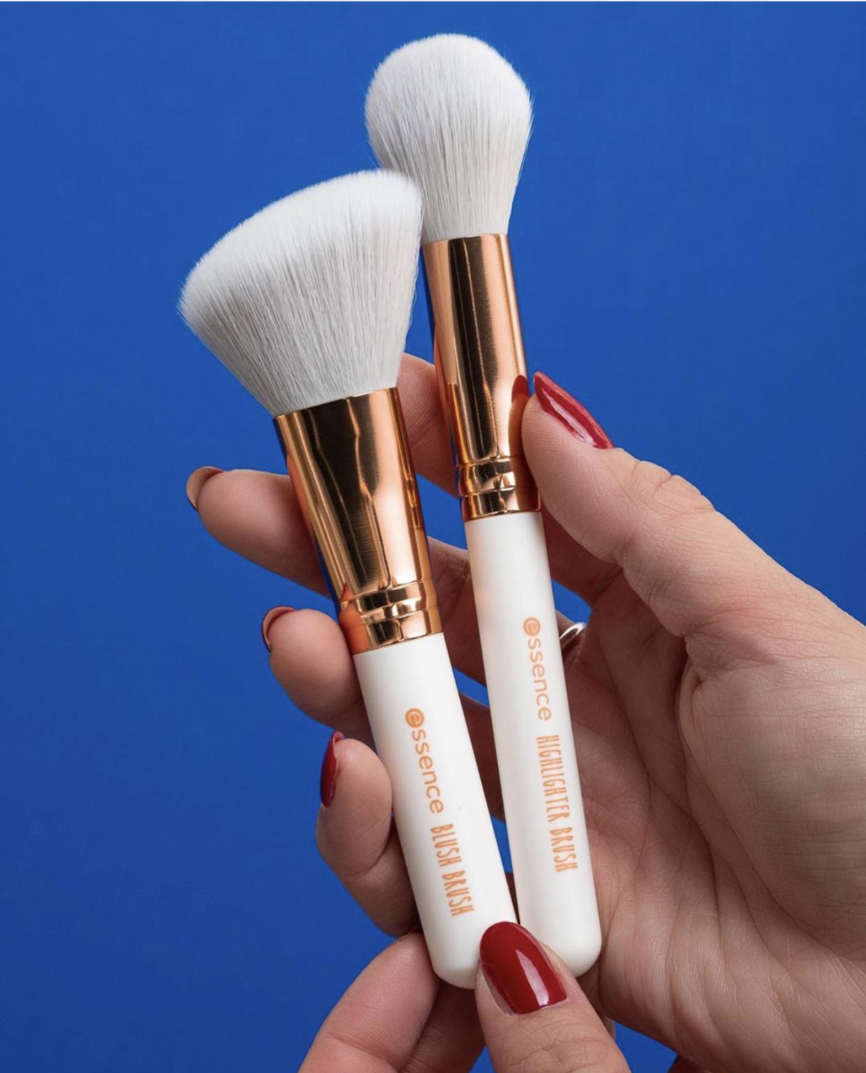 Essence Blush Brush and Highlighter Brush