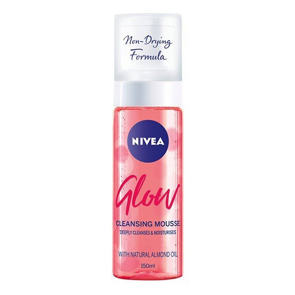 Nivea Glow Face Wash Cleansing Foam