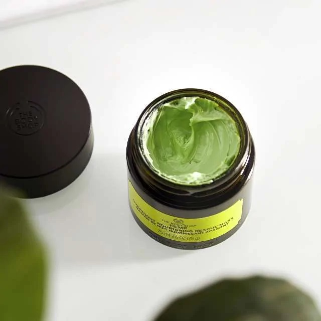 Taking a look inside the jar, with a green colour!