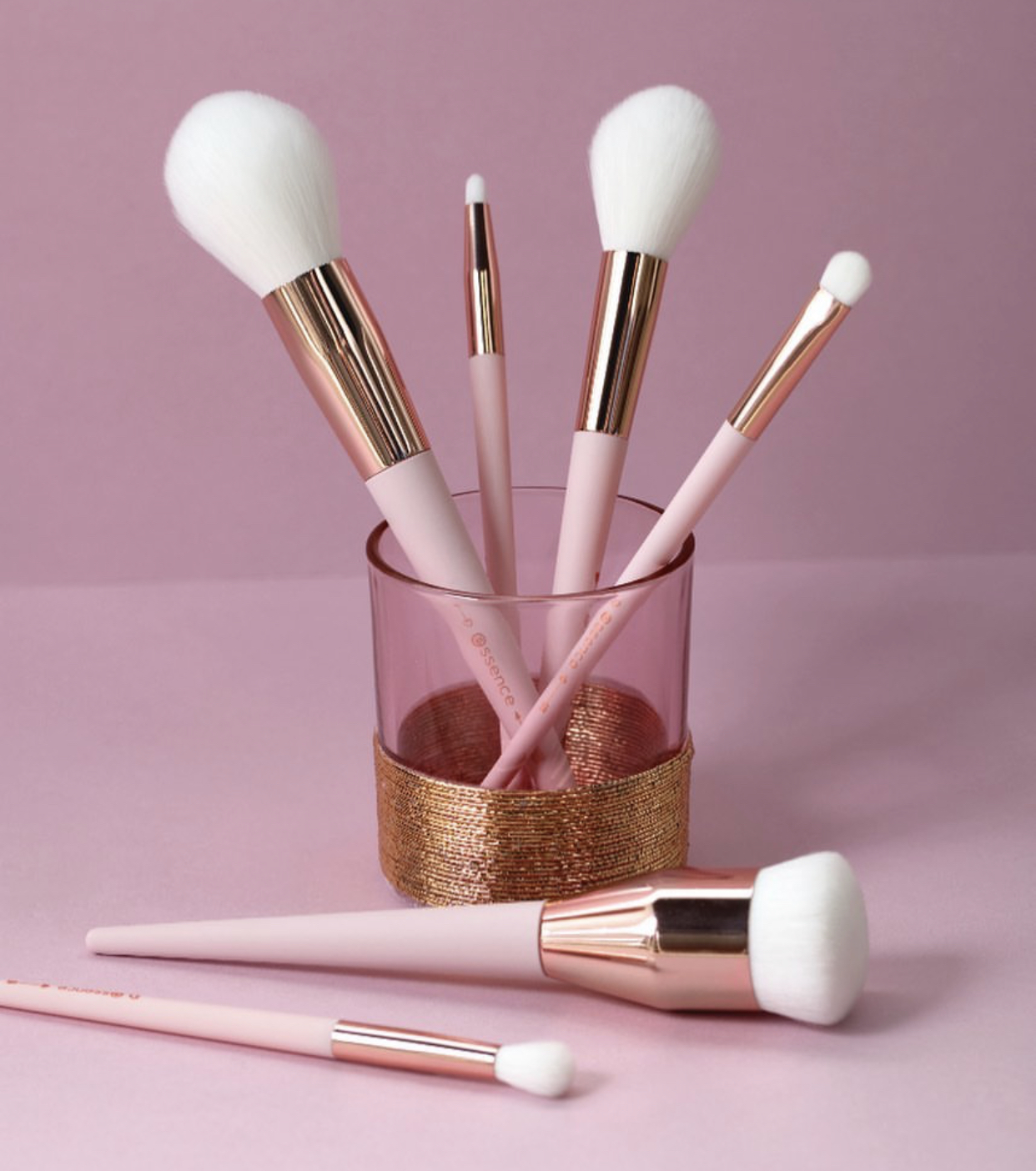Essence It's Brush Hour Makeup Brush Collection