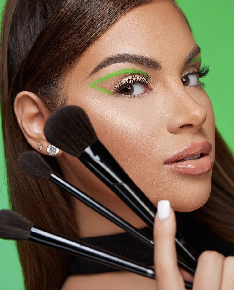 BH Cosmetics x Nazanin Kavari 9 Piece Brush Set