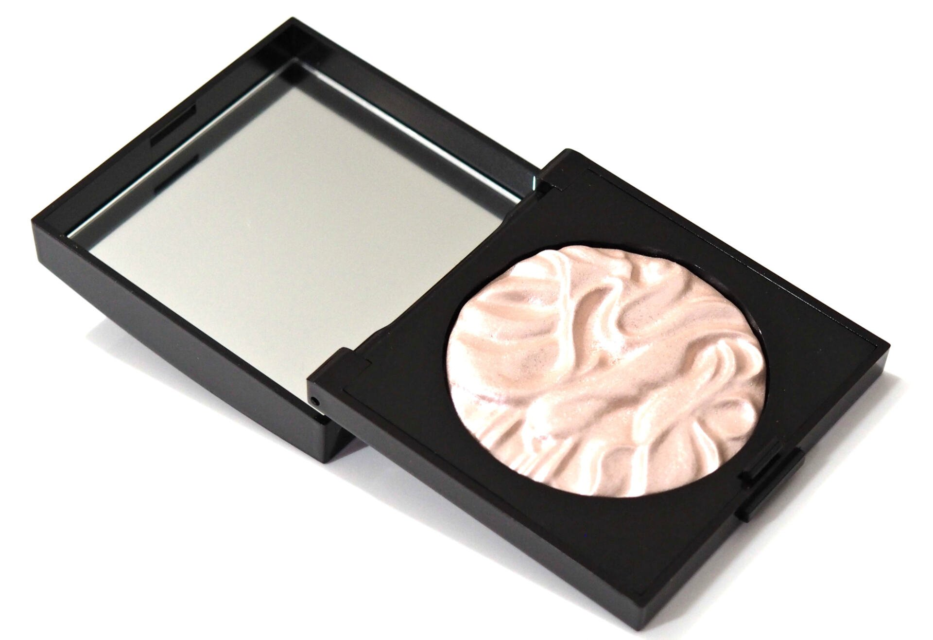 Laura Mercier Face Illuminator Powder Review / Swatches