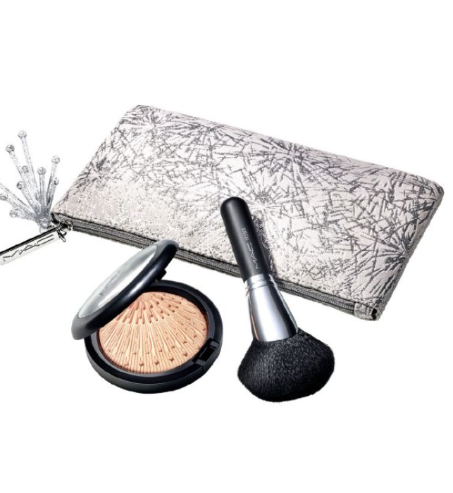 MAC Firelit Kit Holiday Collection 2020