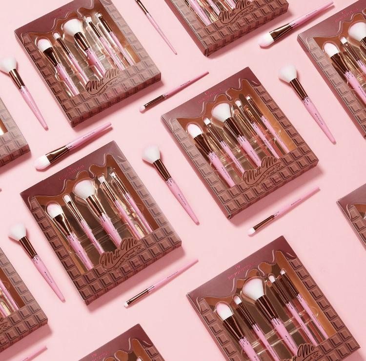 I Heart Revolution Melt Me Chocolate Brush Set