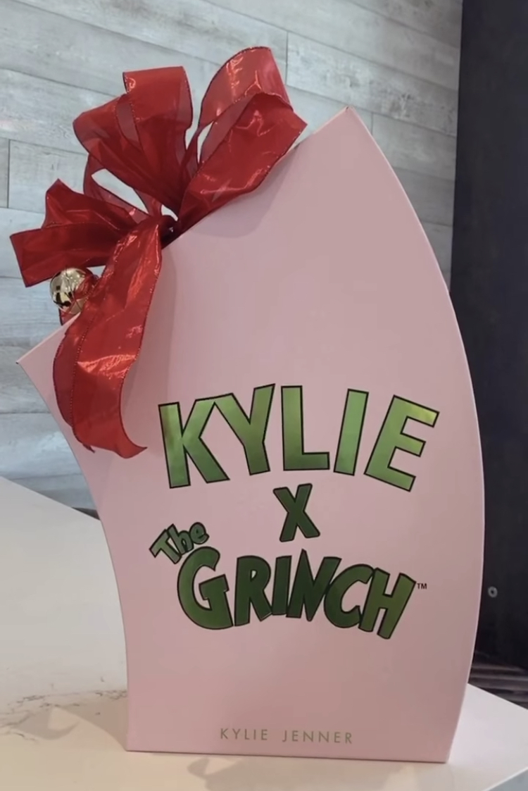 Kylie Cosmetics x The Grinch Holiday Collection