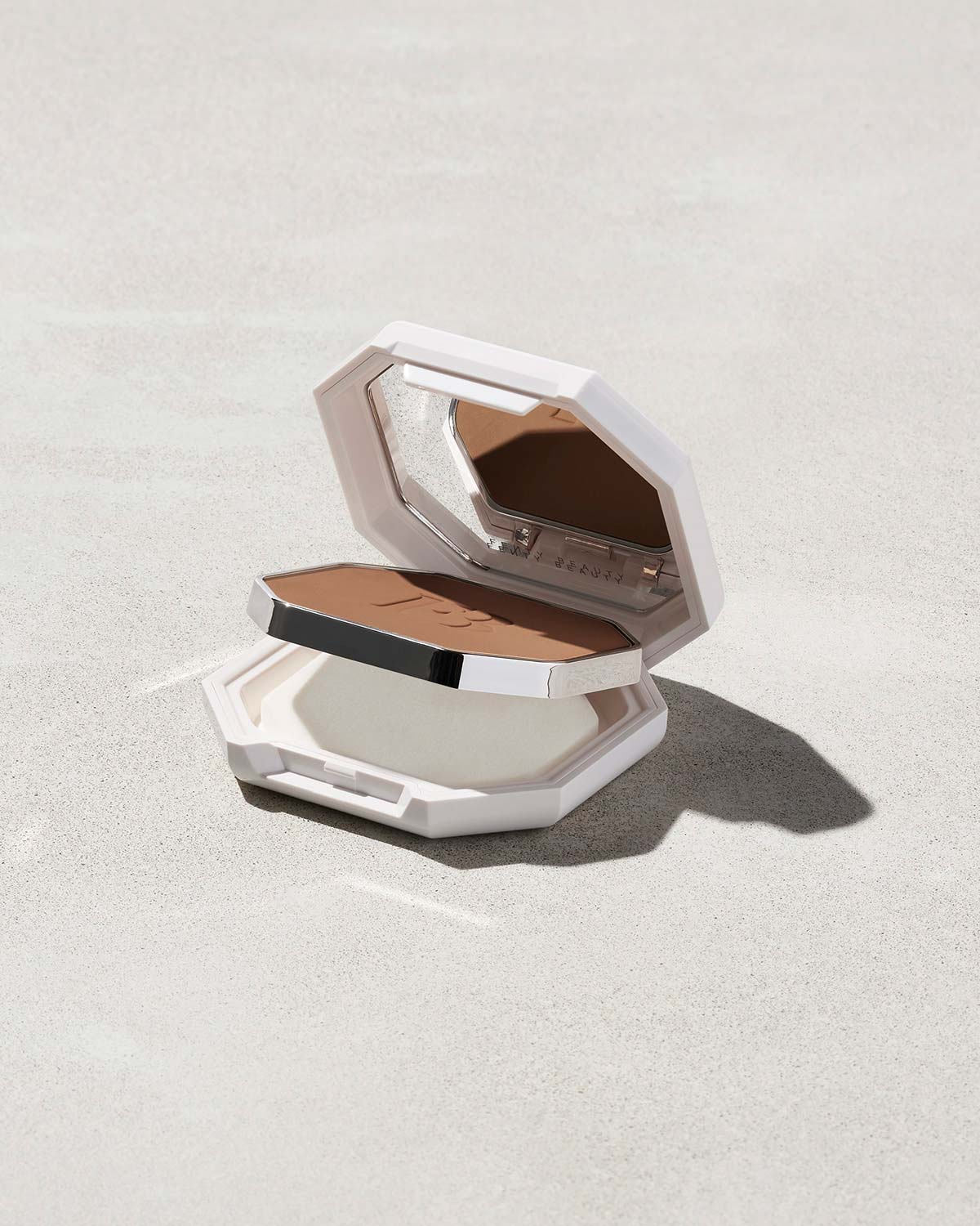 Fenty Beauty Pro Filt'r Soft Matte Powder Foundation