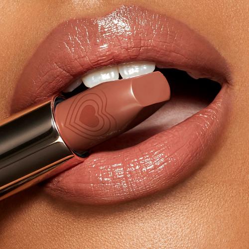 Charlotte Tilbury Nude Romance Look Of Love KISSING Lipstick