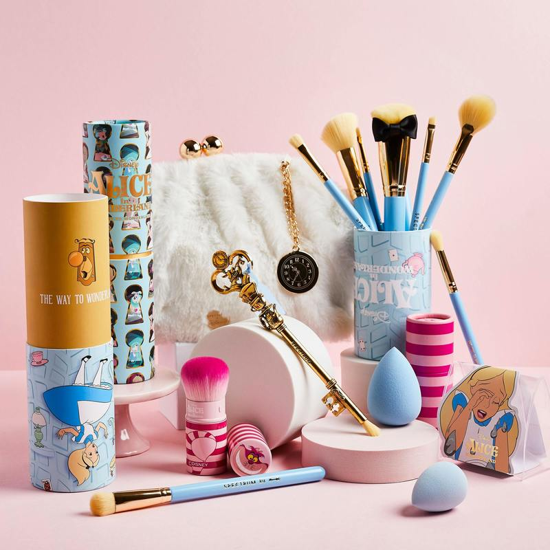 Spectrum Collections Alice in Wonderland Collection