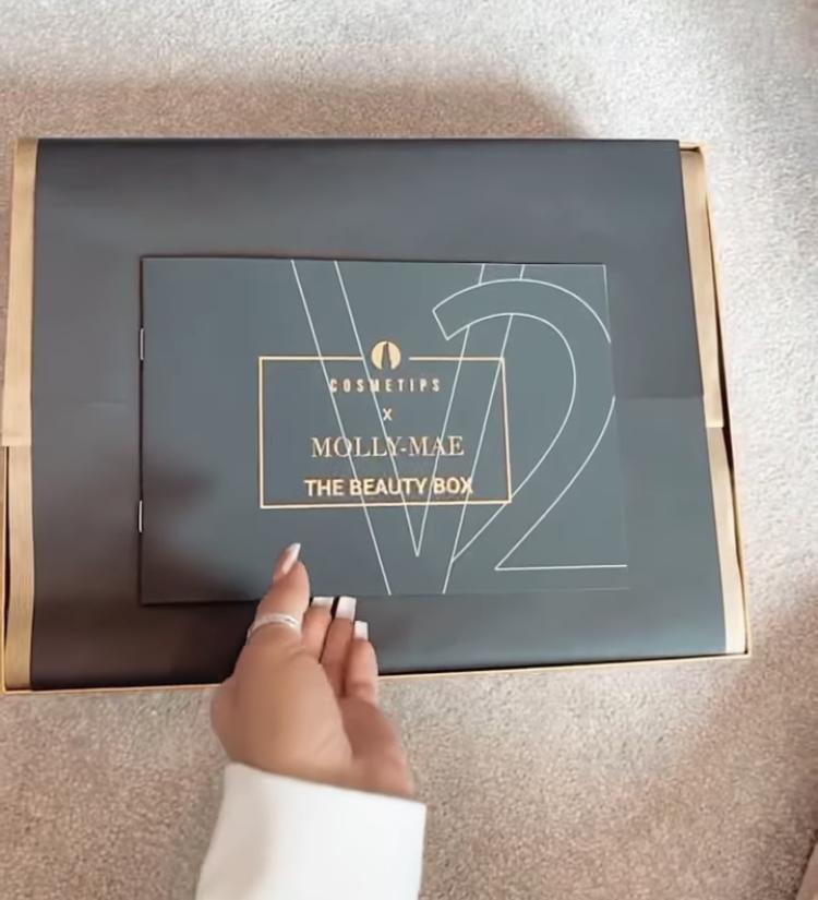 Cosmetips x Molly Mae The Beauty Box V2