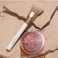 Huda Beauty Glowish Soft Radiance Bronzing Powder