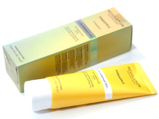 Revolution Skincare Pineapple Glow Gommage Peel Review