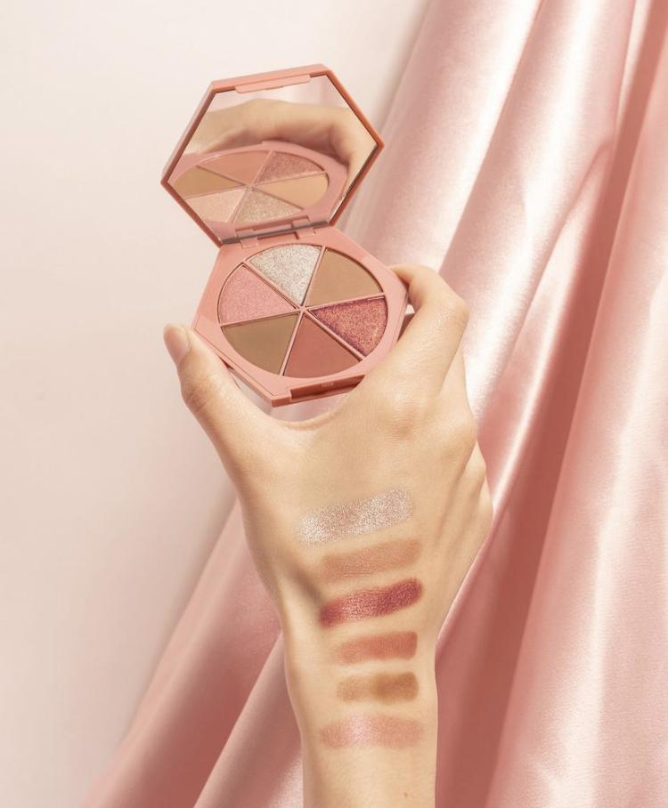 Em Cosmetics Venetian Rose Divine Skies Eyeshadow Palette