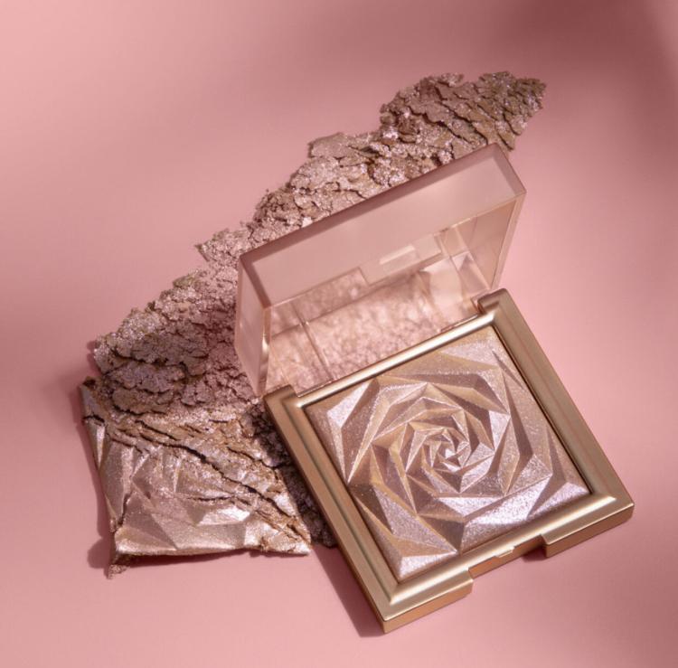 Huda Beauty NYMPH Kiss Glow Blush