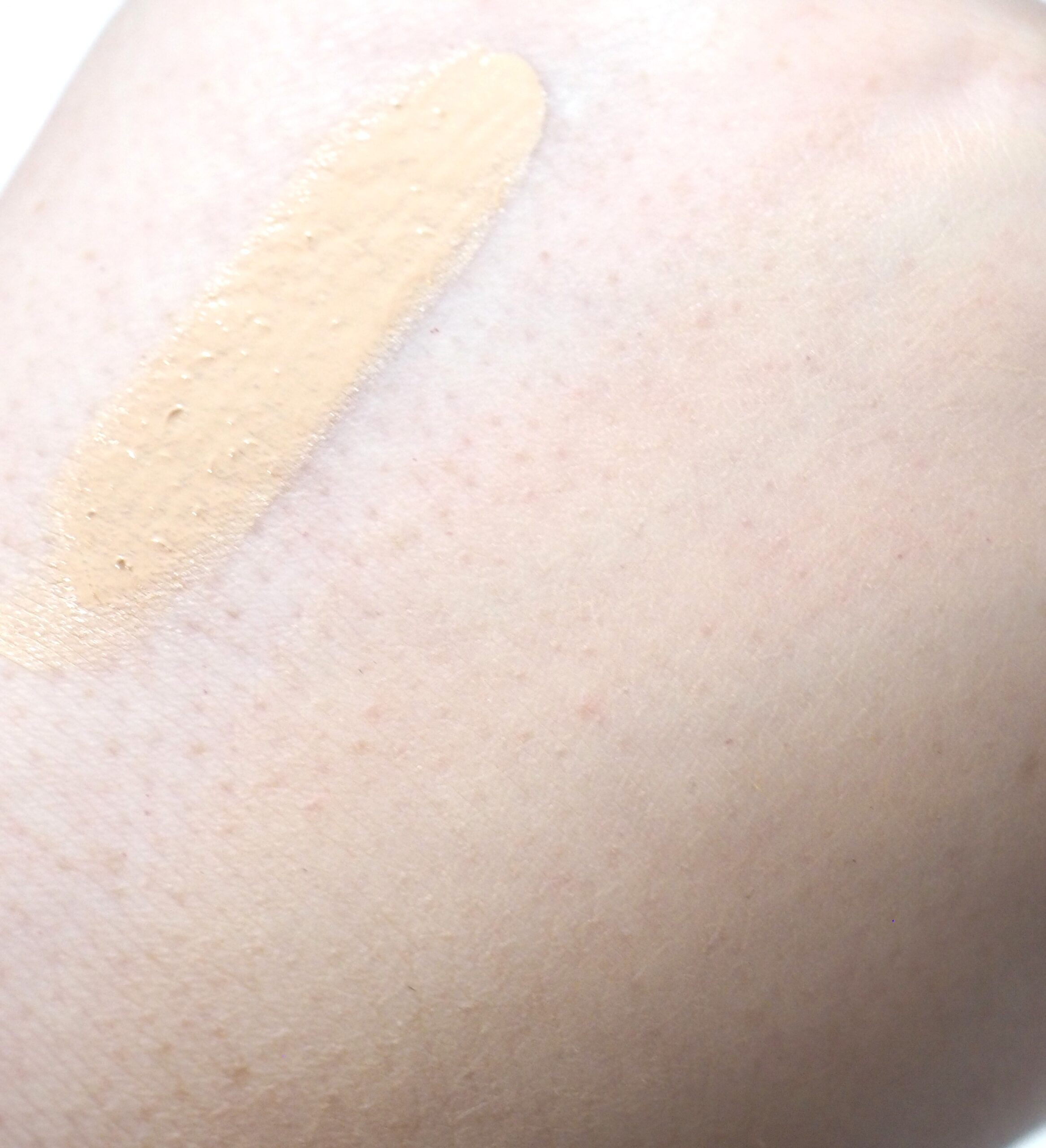 L'Oreal True Match Nude Plumping Tinted Serum