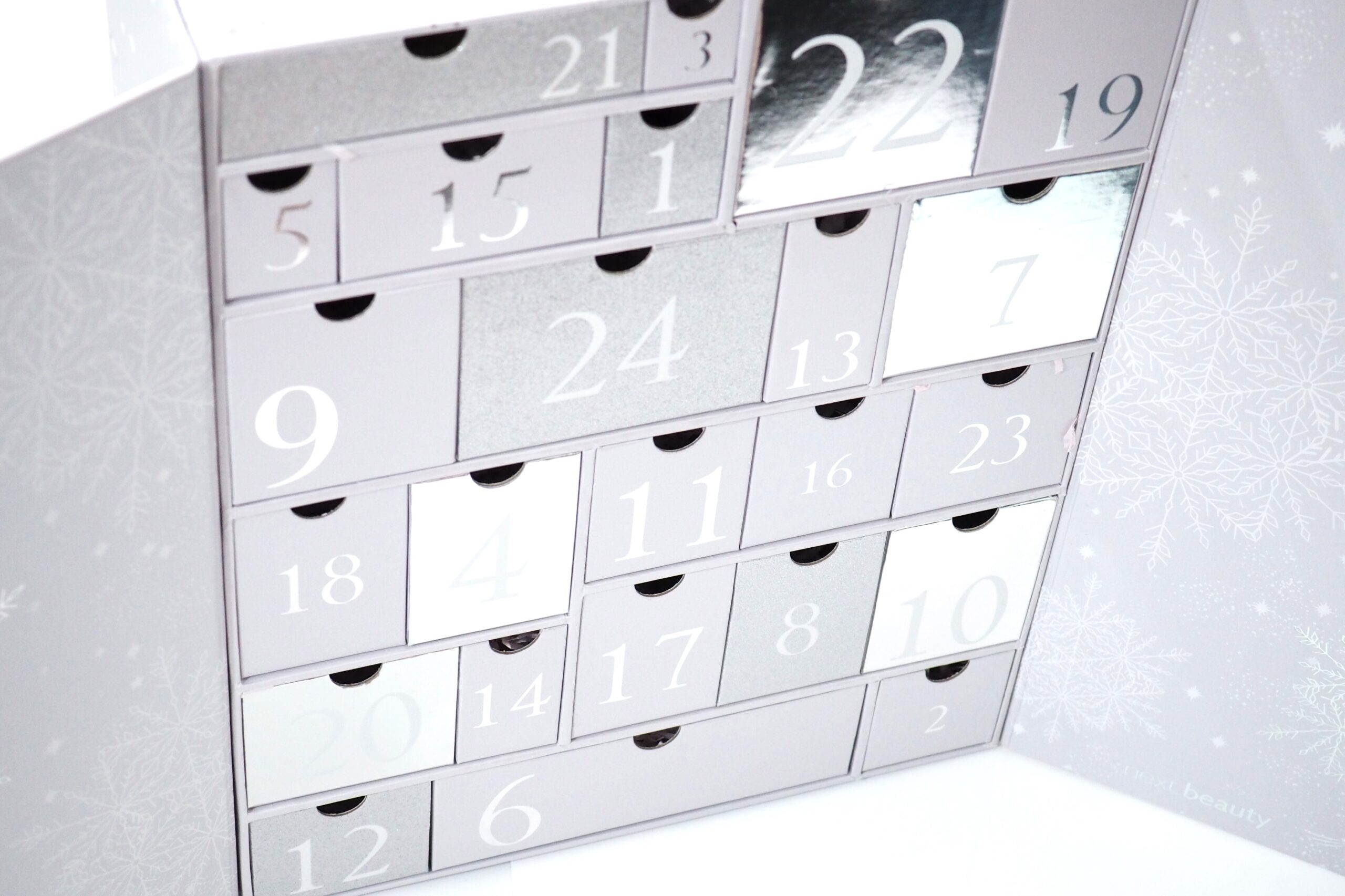Next Beauty Hers Advent Calendar 2021 Unboxing and Review